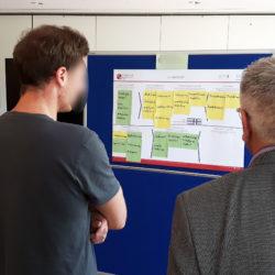 Die Teilnehmenden diskutieren gemeinsam über die Ergebnisse.