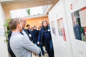 In einer Begleitausstellung präsentierten kleine und mittlere Unternehmen ihre Digitalisierungsprojekte.