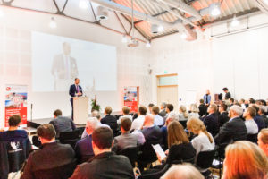 Frank Fischer begrüßte im Namen des Bundesministeriums für Wirtschaft und Energie alle teilnehmenden KMU und Mittelstand 4.0-Kompetenzzentren in Lingen.