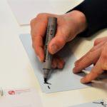 Am 27. Februar 2020 wurde der Stift in die Hand genommen.